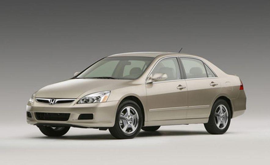 2007 Honda Accord sedan - Slide 17