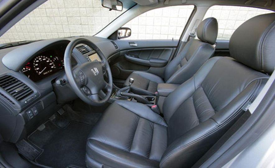 2007 Honda Accord sedan - Slide 12