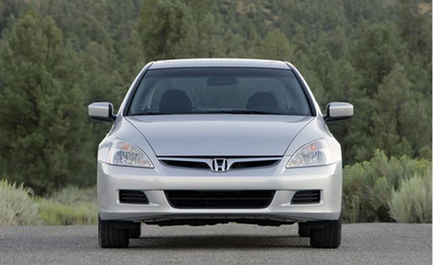 2007 Honda Accord sedan - Slide 2