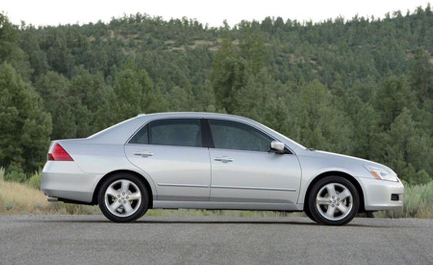 2007 Honda Accord sedan - Slide 4