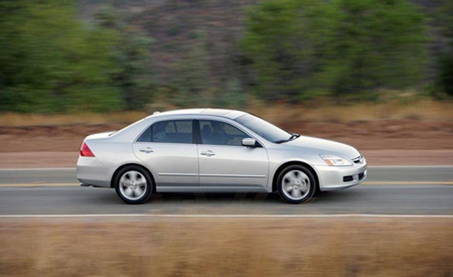 2007 Honda Accord sedan - Slide 8