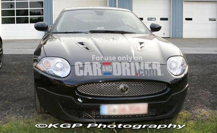 2009 Jaguar XKR - Slide 1