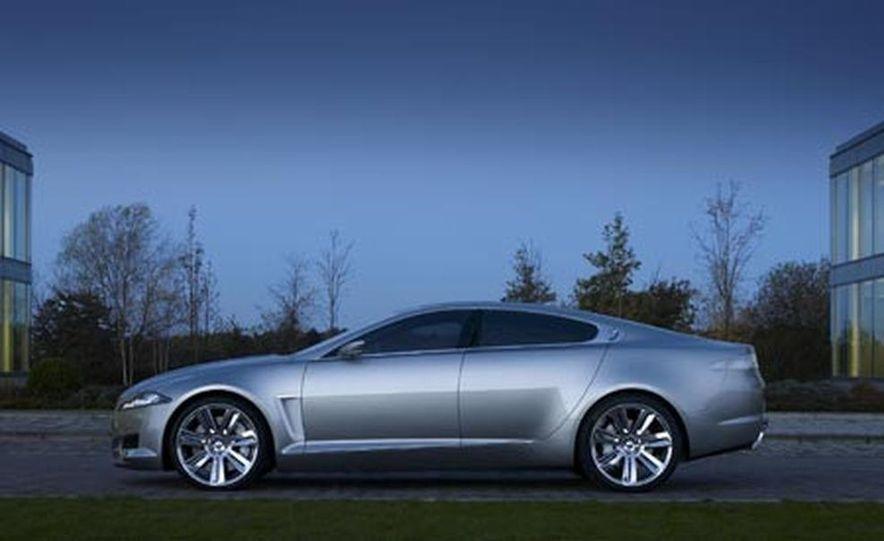 2009 Jaguar XKR - Slide 11