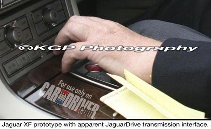 2009 Jaguar XKR - Slide 3