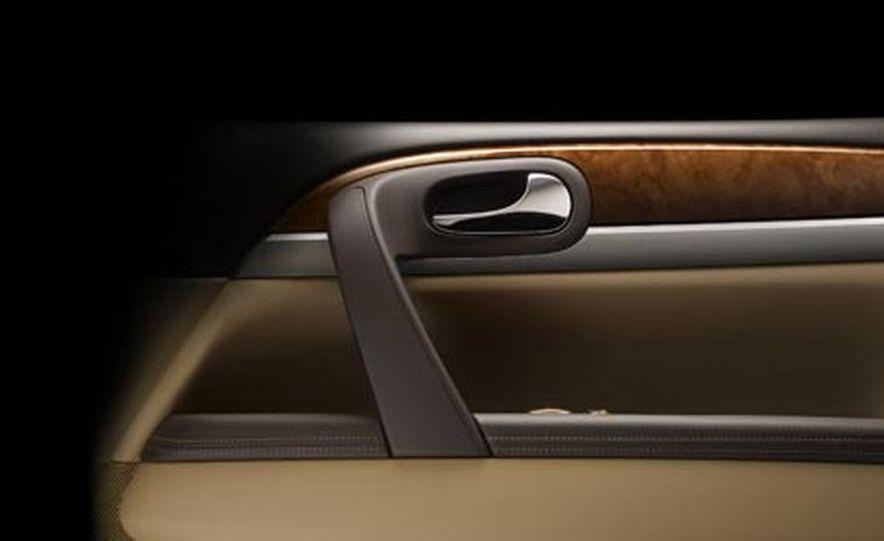 2008 Buick Enclave door panel - Slide 1