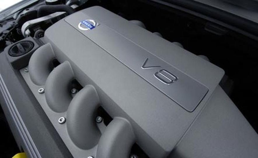 2007 Volvo S80 AWD - Slide 11