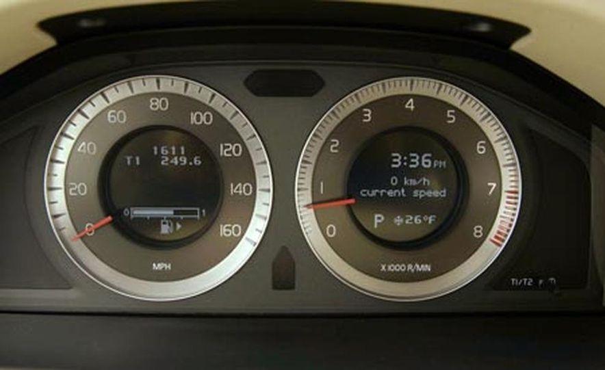 2007 Volvo S80 AWD - Slide 14