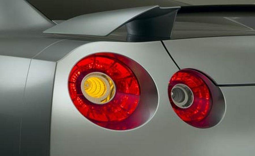 2009 Nissan Skyline GT-R Proto concept - Slide 3