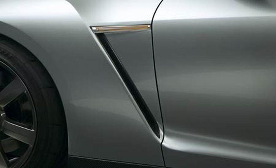 2009 Nissan Skyline GT-R Proto concept - Slide 9