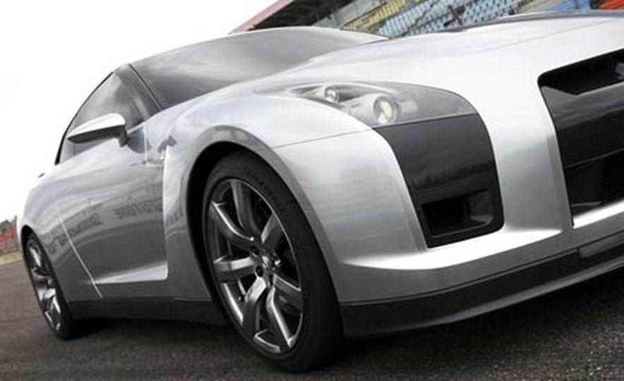 2009 Nissan Skyline GT-R Proto concept - Slide 14