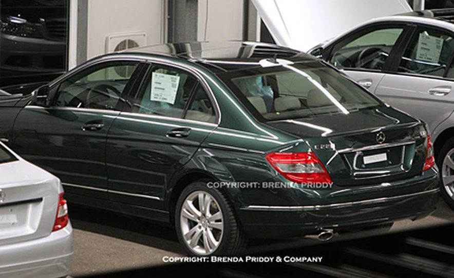 2008 Mercedes-Benz C-class sedan - Slide 1
