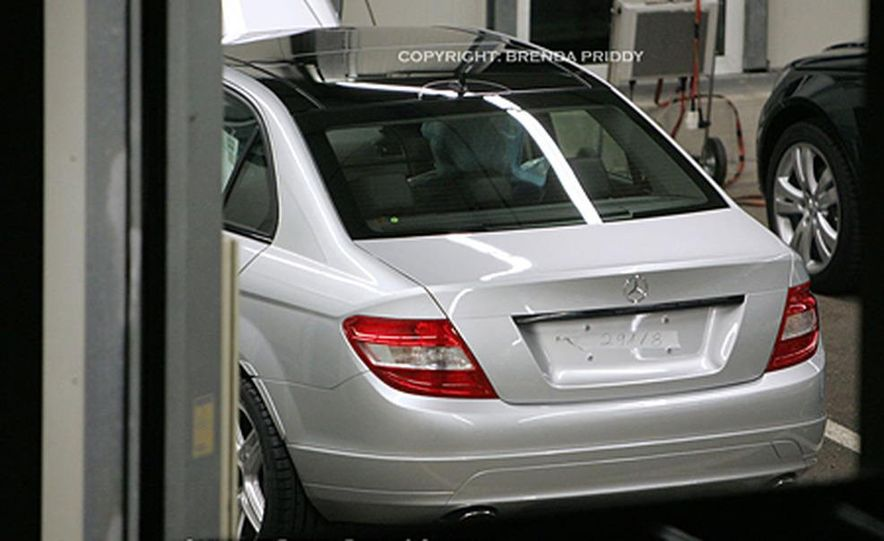 2008 Mercedes-Benz C-class sedan - Slide 2