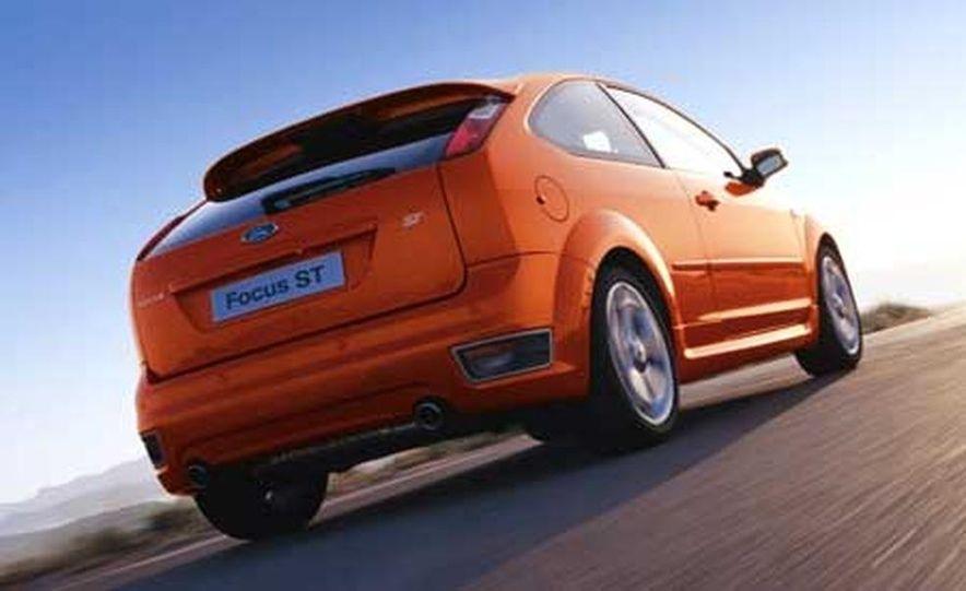 Ford Focus RS - Slide 5