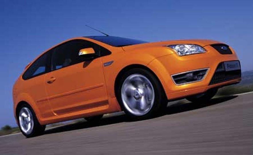 Ford Focus RS - Slide 8