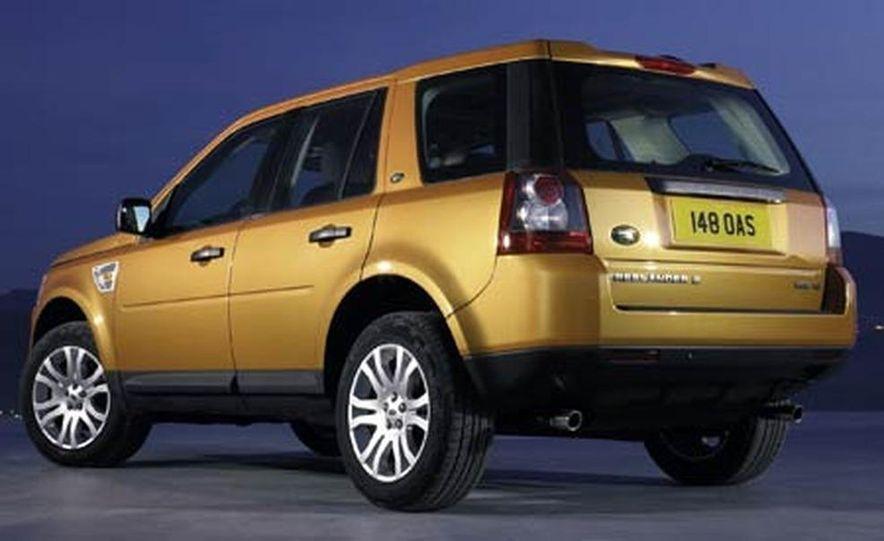 2008 Land Rover LR2 - Slide 2