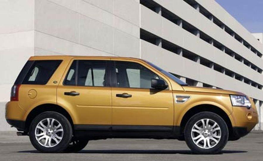 2008 Land Rover LR2 - Slide 3