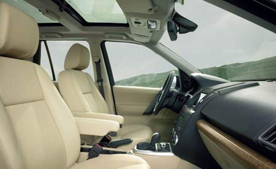 2008 Land Rover LR2 - Slide 5