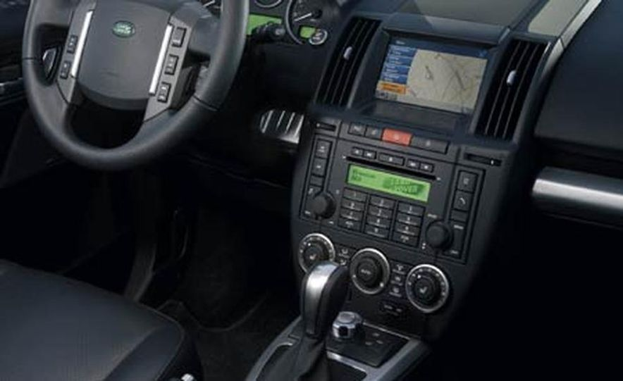 2008 Land Rover LR2 - Slide 8