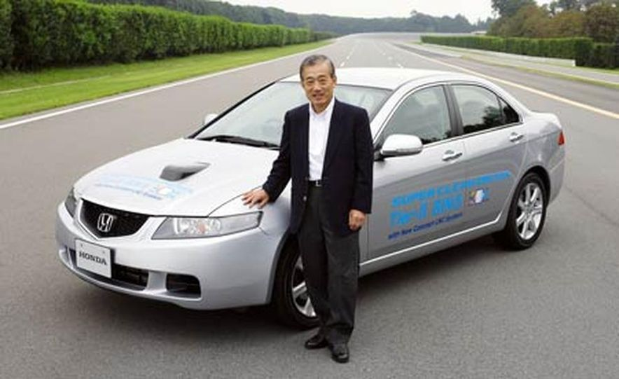European Honda Accord fitted with the 2.2-liter i-CTDi inline-4 diesel engine - Slide 1