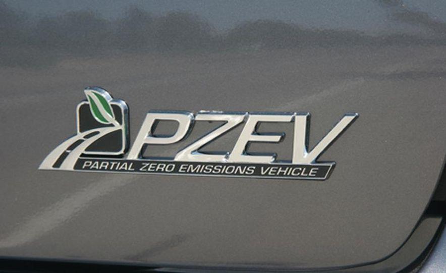2007 Ford Focus PZEV - Slide 1