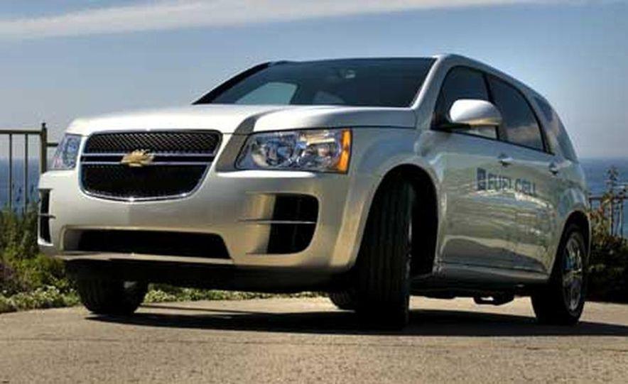 2008 Chevrolet Equinox Fuel Cell - Slide 2