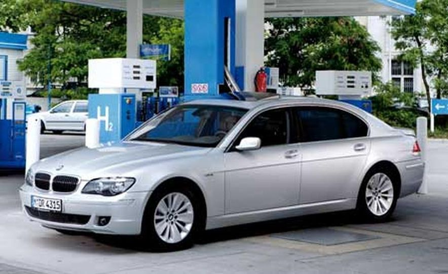 2007 BMW Hydrogen 7 - Slide 1