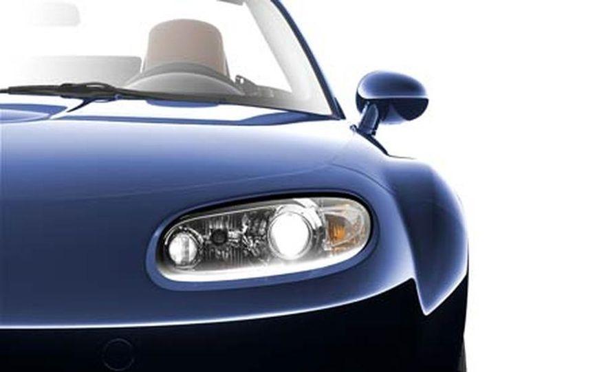 2007 Mazda MX-5 Miata Hardtop - Slide 8