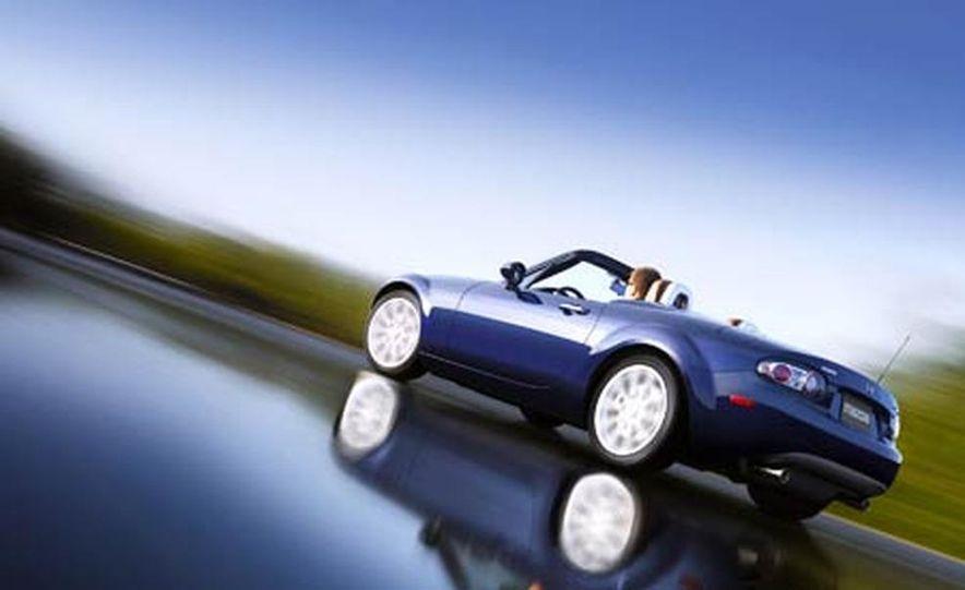 2007 Mazda MX-5 Miata Hardtop - Slide 3