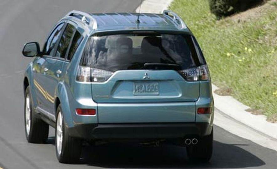 2007 Mitsubishi Outlander - Exterior - Slide 3