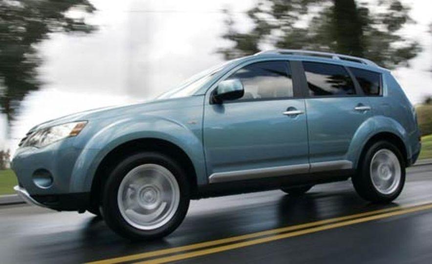 2007 Mitsubishi Outlander - Exterior - Slide 4