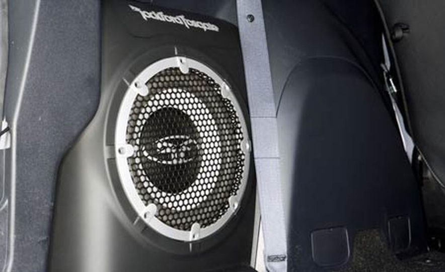 2007 Mitsubishi Outlander - Exterior - Slide 8