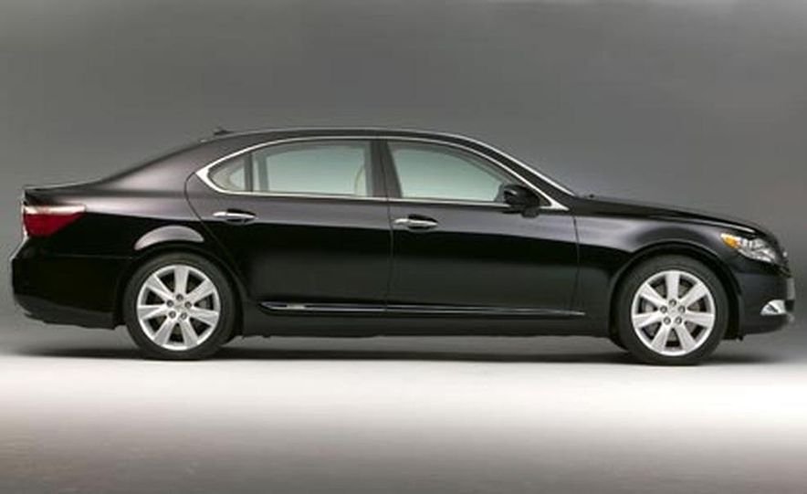 2008 Lexus LS600hL - Slide 1
