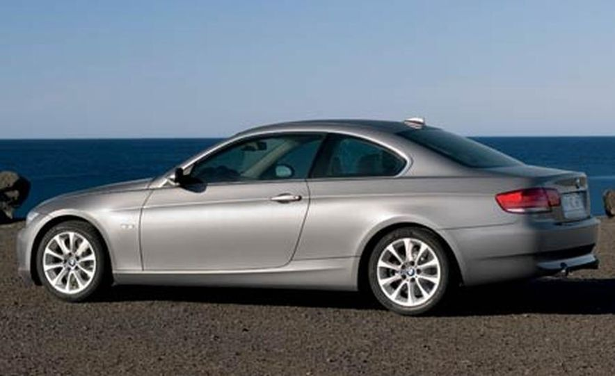 2007 BMW 335i and 328i Coupe - Slide 4