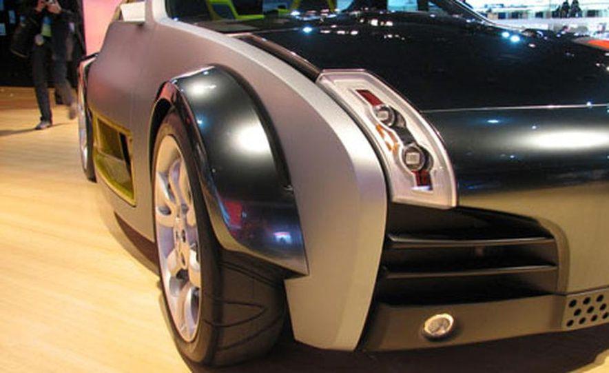 Nissan Urge Concept - Slide 10