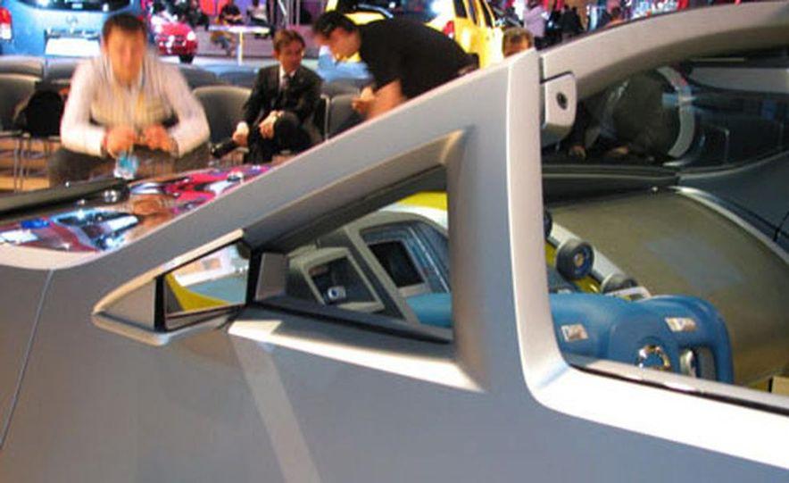 Nissan Urge Concept - Slide 13