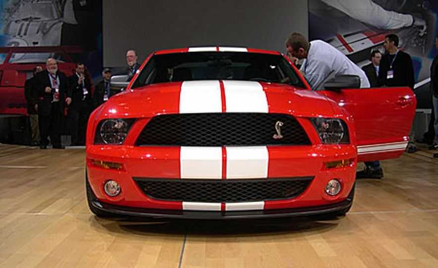 Ford Shelby Cobra GT500 - Slide 2