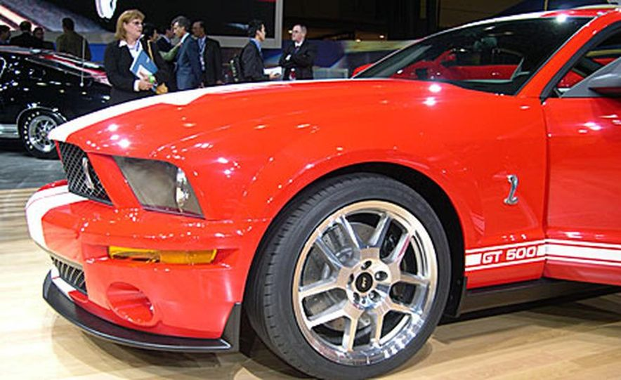 Ford Shelby Cobra GT500 - Slide 5