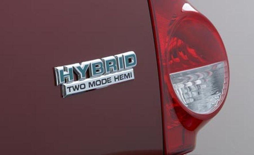 2009 Chrysler Aspen hybrid - Slide 11