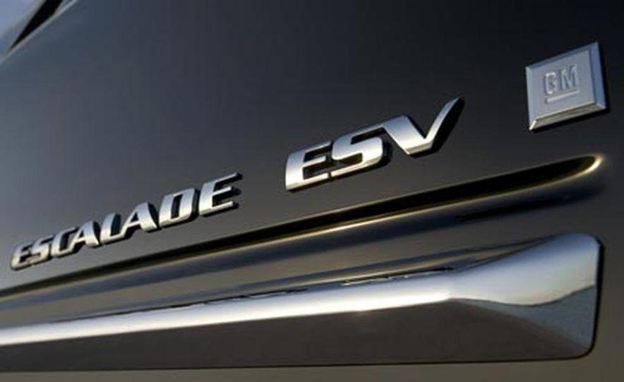 2009 Cadillac Escalade Platinum - Slide 17