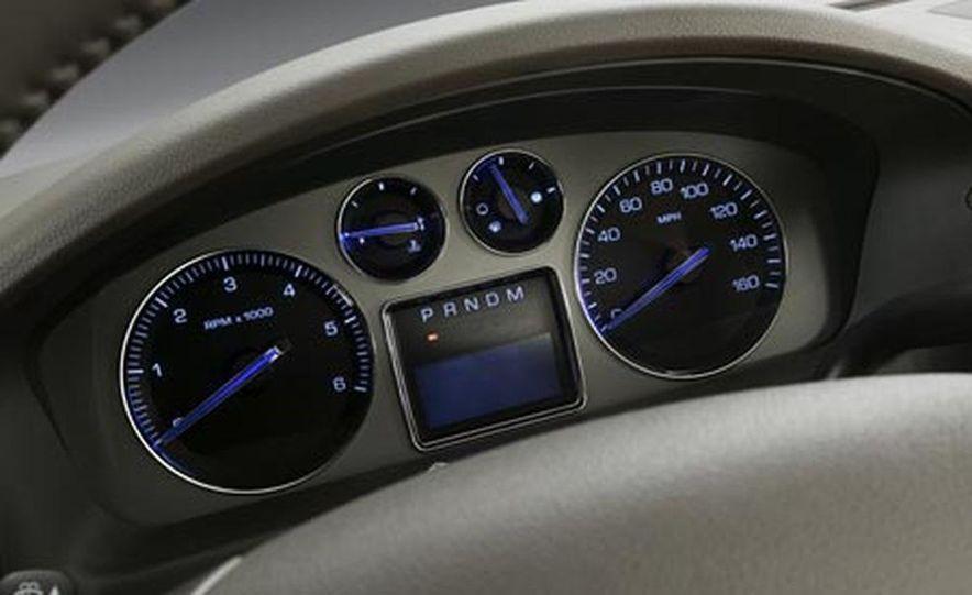 2009 Cadillac Escalade Platinum - Slide 18