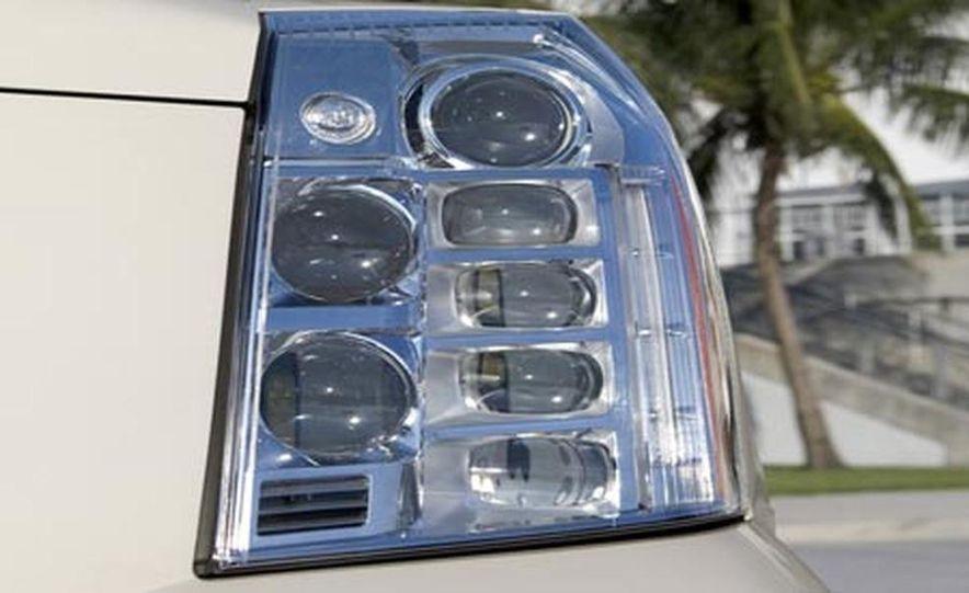 2009 Cadillac Escalade Platinum - Slide 9