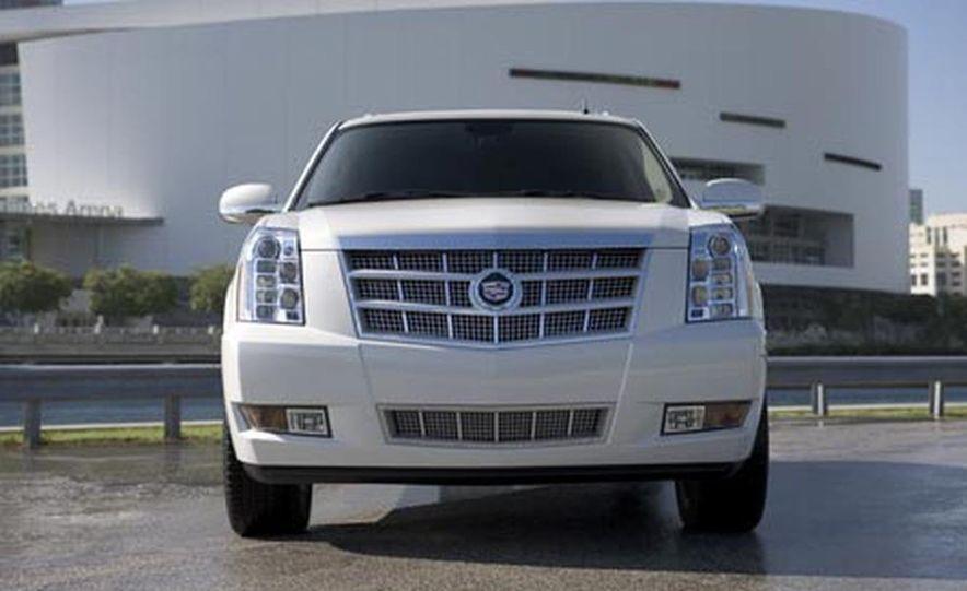 2009 Cadillac Escalade Platinum - Slide 1
