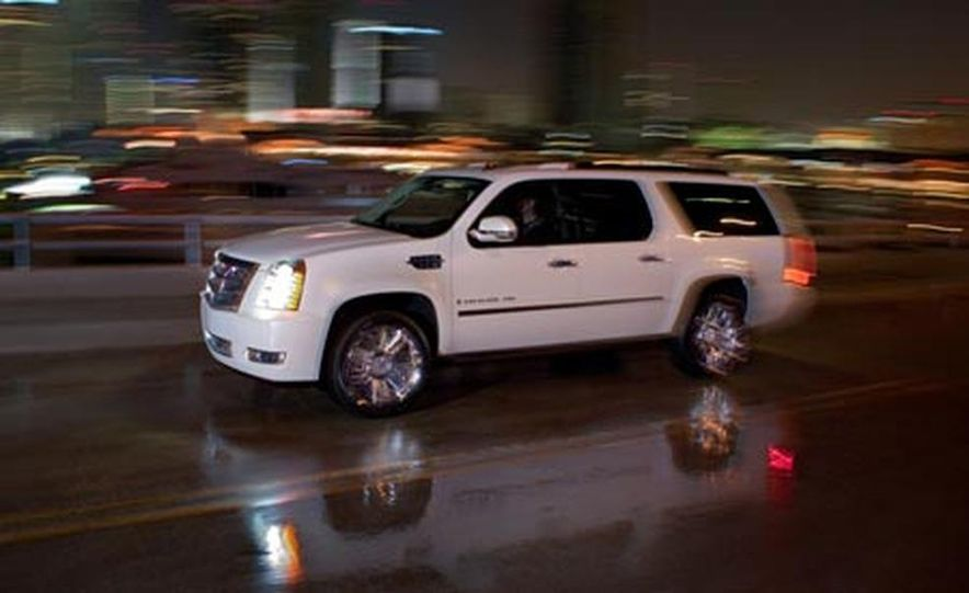 2009 Cadillac Escalade Platinum - Slide 5