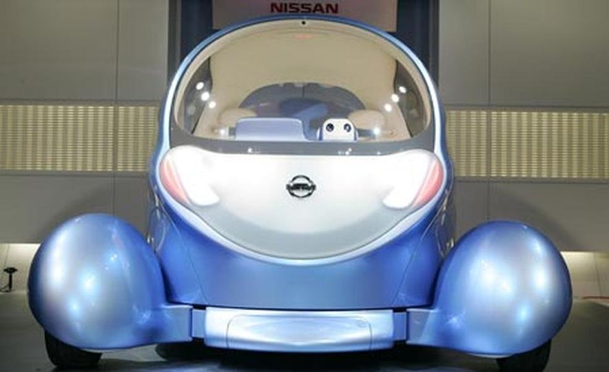 Nissan Pivo 2 concept<br /> <br /> - Slide 4