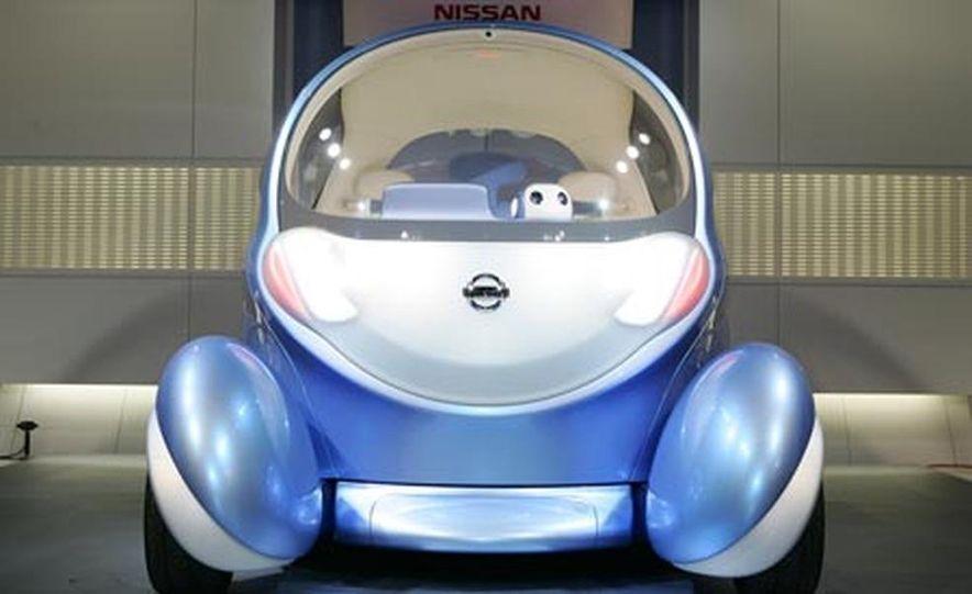 Nissan Pivo 2 concept<br /> <br /> - Slide 5