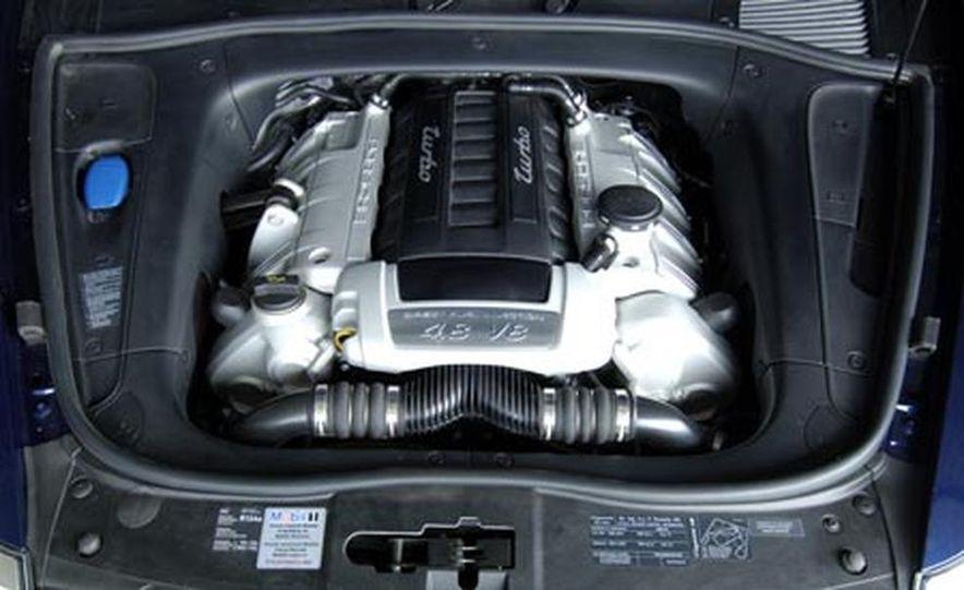 2009 Porsche Cayenne GTS - Slide 21