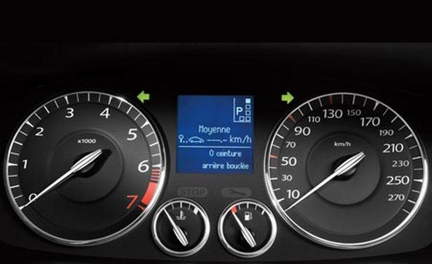 2008 Renault Laguna saloon - Slide 12