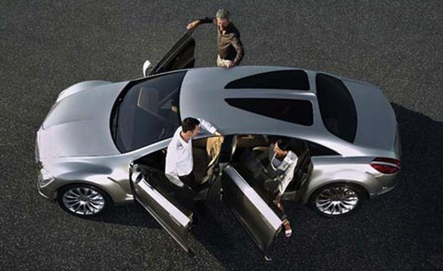 Mercedes-Benz F700 concept - Slide 4
