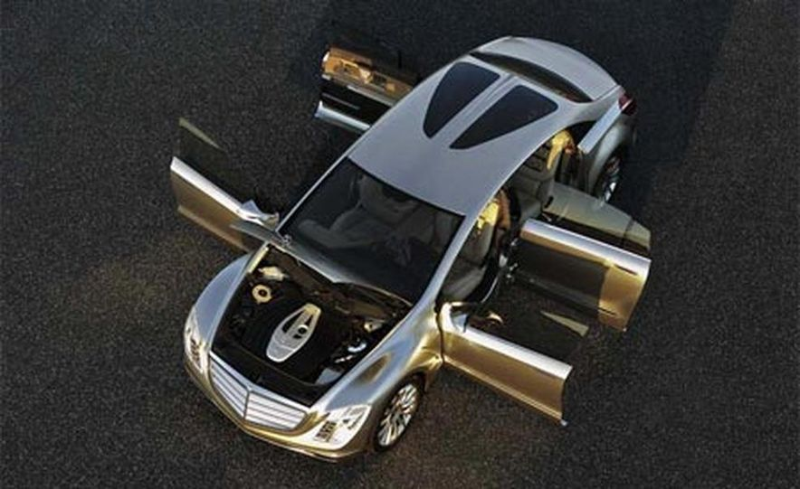 Mercedes-Benz F700 concept - Slide 10