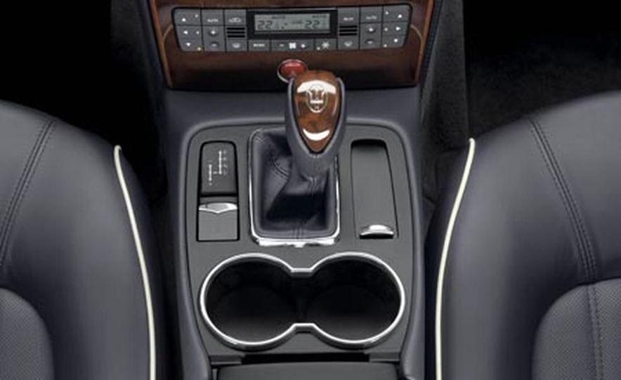 Maserati Quattroporte Sport GT S - Slide 24